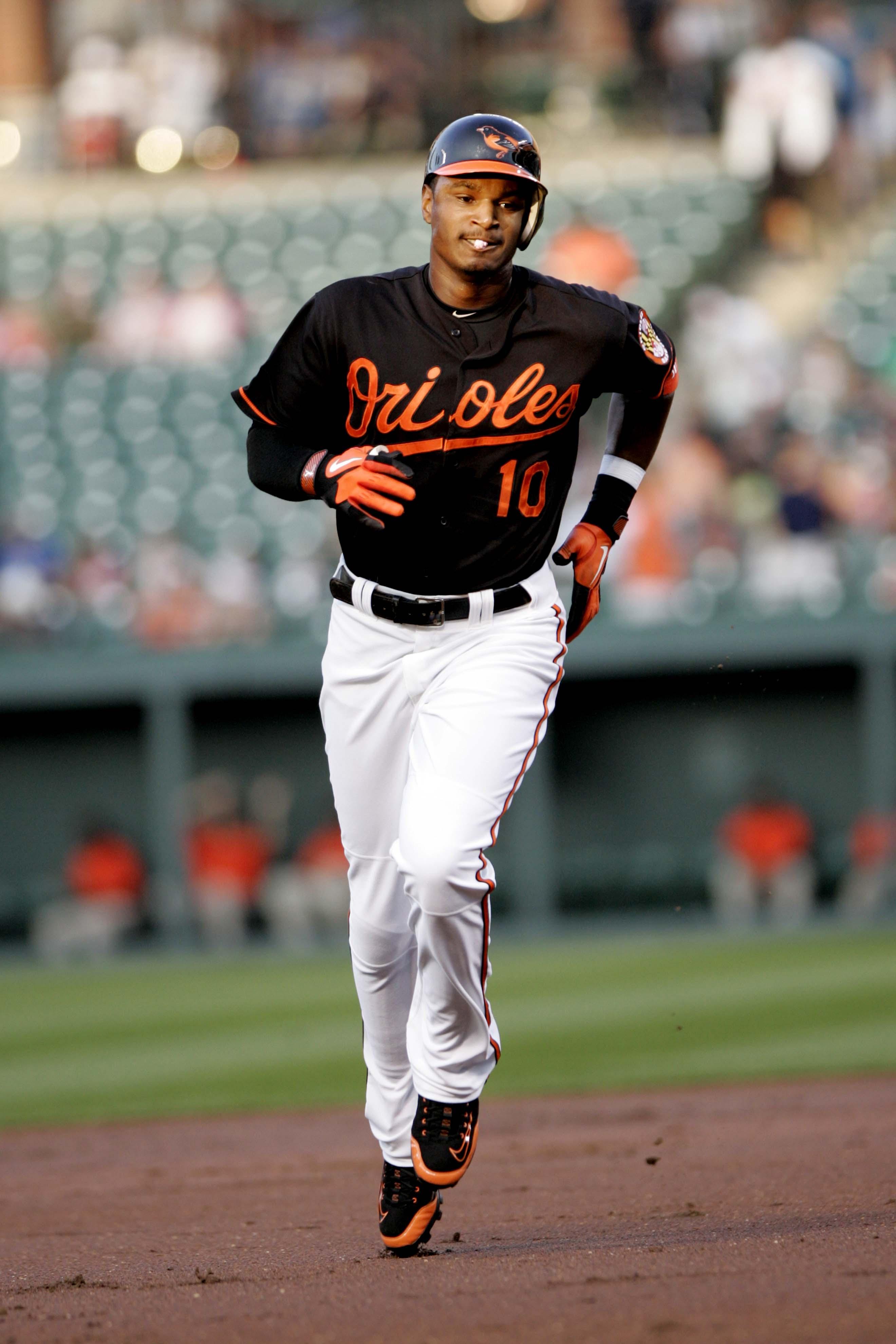 Adam Jones Home Run �...