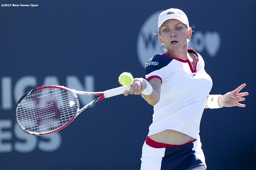"""""""Simona Halep hits a forehand against Petra Kvitova during the finals of the New Haven Open at Yale University in New Haven, Connecticut Saturday, August 24, 2013."""""""