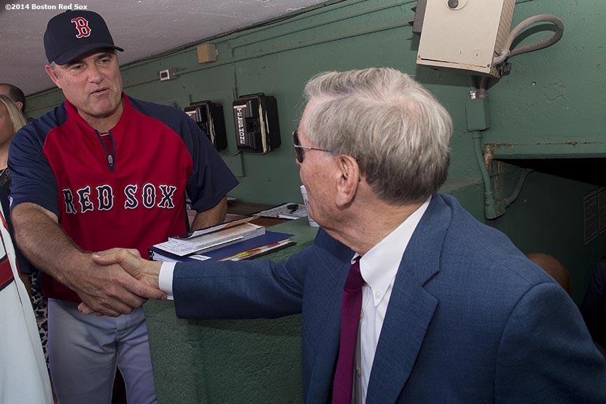 """Major League Baseball Commissioner Allan ""Bud"" Selig greets Boston Red Sox manager John Farrell during a visit to Fenway Park in Boston, Massachusetts Saturday, September 27, 2014. """