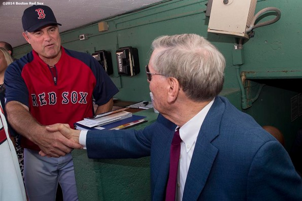 """Major League Baseball Commissioner Allan ""Bud"" Selig greets Boston Red Sox manager John Farrell during a visit to Fenway Park in Boston, Massachusetts Saturday, September 27, 2014. """