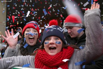 04: Fans cheer during a New England Patriots Super Bowl victory parade on February 4, 2015 in Boston, Massachusetts. (Photo by Billie Weiss/Getty Images)