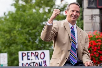"""""""Hall of Fame President Jeff Idelson reacts during the Hall of Famers parade during the 2015 Hall of Fame weekend at the National Baseball Hall of Fame in Cooperstown, New York Saturday, July 25, 2015."""""""