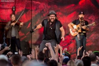 BOSTON, MA - AUGUST 9: The Zac Brown Band performs at Fenway Park on Sunday, August 9, 2015 in Boston, Massachusetts. (Photo by Billie Weiss/MLB Photos via Getty Images) *** Local Caption ***