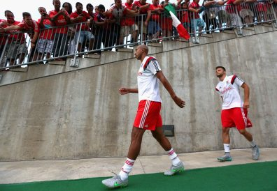 EAST HARTFORD, CT - JULY 24: Luisao of SL Benfica walks onto the field before an International Champions Cup 2015 match against ACF Fiorentina at Rentschler Field on July 24, 2015 in East Hartford, Connecticut. (Photo by Billie Weiss/Getty Images) *** Local Caption *** Luisao