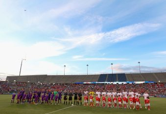 EAST HARTFORD, CT - JULY 24: Members of SL Benfica and ACF Fiorentina are introduced before an International Champions Cup 2015 match at Rentschler Field on July 24, 2015 in East Hartford, Connecticut. (Photo by Billie Weiss/Getty Images)