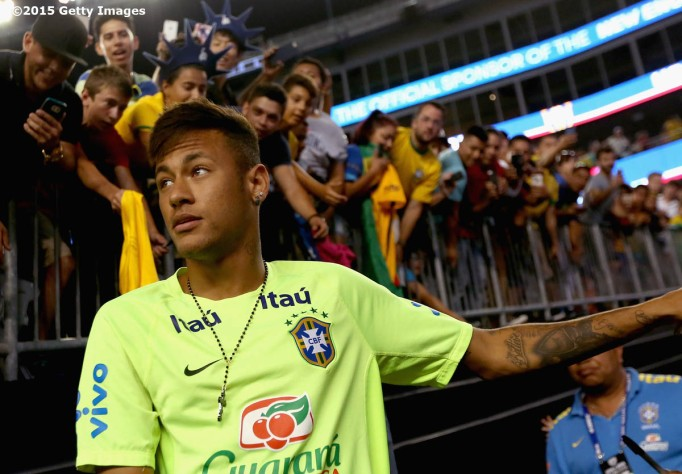 FOXBORO, MA - SEPTEMBER 08: Neymar #10 of Brazil looks on before an international friendly against the United States at Gillette Stadium on September 8, 2015 in Foxboro, Massachusetts. (Photo by Billie Weiss/Getty Images)
