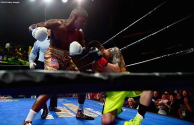 MASHANTUCKET, CT - SEPTEMBER 12: Michael Zerafa is knocked out by Peter Quillin during a fight at Foxwoods Resort Casino on September 12, 2015 in Mashantucket, Connecticut. (Photo by Billie Weiss/Getty Images)