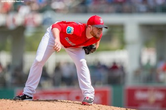 FT. MYERS, FL - MARCH 4: Craig Kimbrel #46 of the Boston Red Sox receives signs during a Grapefruit League game against the Tampa Bay Rays on March 4, 2016 at JetBlue Park at Fenway South in Fort Myers, Florida . (Photo by Billie Weiss/Boston Red Sox/Getty Images) *** Local Caption *** Craig Kimbrel