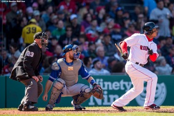 BOSTON, MA - APRIL 17: Marco Hernandez #41 of the Boston Red Sox breaks his bat as he hits a single during the fifth inning of a game against the Toronto Blue Jays on April 17, 2016 at Fenway Park in Boston, Massachusetts. It was his first major league hit. (Photo by Billie Weiss/Boston Red Sox/Getty Images) *** Local Caption *** Marco Hernandez