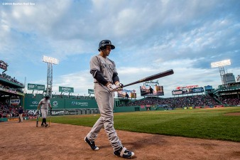 BOSTON, MA - APRIL 29: Jacoby Ellsbury #22 of the New York Yankees warms up on deck before a game against the Boston Red Sox on April 29, 2016 at Fenway Park in Boston, Massachusetts . (Photo by Billie Weiss/Boston Red Sox/Getty Images) *** Local Caption *** Jacoby Ellsbury