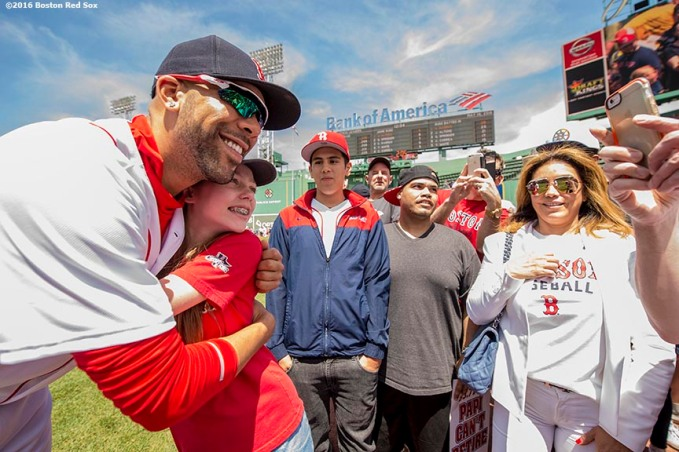 BOSTON, MA - MAY 14: David Price #24 of the Boston Red Sox poses with a fan during on field photo day before a game against the Houston Astros on May 14, 2016 at Fenway Park in Boston, Massachusetts. (Photo by Billie Weiss/Boston Red Sox/Getty Images) *** Local Caption *** David Price