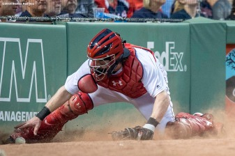 BOSTON, MA - MAY 25: Ryan Hanigan #10 of the Boston Red Sox chases down a passed ball during the fourth inning of a game against the Colorado Rockies on May 25, 2016 at Fenway Park in Boston, Massachusetts. (Photo by Billie Weiss/Boston Red Sox/Getty Images) *** Local Caption *** Ryan Hanigan