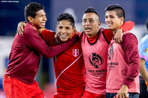 FOXBORO, MASSACHUSETTS - JUNE 12: Raúl Ruidíaz of Peru reacts with teammates after winning a group B match between Brazil and Peru at Gillette Stadium as part of Copa America Centenario US 2016 on June 12, 2016 in Foxboro, Massachusetts, US. (Photo by Billie Weiss/LatinContent/Getty Images)