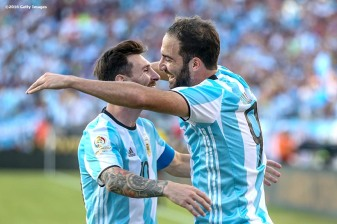 FOXBORO, MASSACHUSETTS - JUNE 18: Gonzalo Higuain of Argentina reacts with Lionel Messi after scoring his second goal during a Quarterfinal match between Argentina and Venezuela at Gillette Stadium as part of Copa America Centenario US 2016 on June 18, 2016 in Foxboro, Massachusetts, US. (Photo by Billie Weiss/LatinContent/Getty Images)