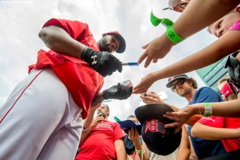 BOSTON, MA - JULY 1: Jackie Bradley Jr. #25 of the Boston Red Sox signs autographs before a game against the Los Angeles Angels of Anaheim on July1, 2016 at Fenway Park in Boston, Massachusetts. (Photo by Billie Weiss/Boston Red Sox/Getty Images) *** Local Caption *** Jackie Bradley Jr.