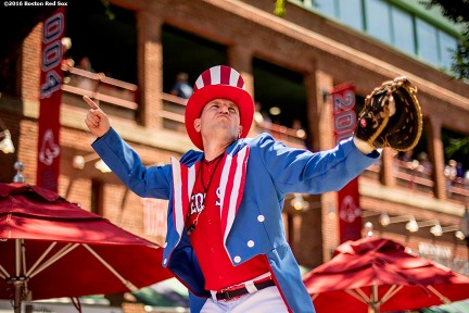 BOSTON, MA - JULY 4: Big League Brian entertains fans before a game between the Boston Red Sox and the Texas Rangers on July 4, 2016 at Fenway Park in Boston, Massachusetts. (Photo by Billie Weiss/Boston Red Sox/Getty Images) *** Local Caption ***
