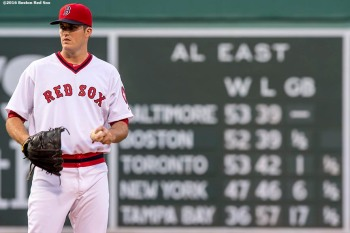 BOSTON, MA - JULY 20: Drew Pomeranz #31 of the Boston Red Sox warms up before his Red Sox debut game against the San Francisco Giants on July 20, 2016 at Fenway Park in Boston, Massachusetts. (Photo by Billie Weiss/Boston Red Sox/Getty Images) *** Local Caption *** Drew Pomeranz