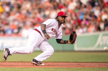 BOSTON, MA - JULY 20: Hanley Ramirez #13 of the Boston Red Sox fields a ground ball during the second inning of a game against the San Francisco Giants on July 20, 2016 at Fenway Park in Boston, Massachusetts. (Photo by Billie Weiss/Boston Red Sox/Getty Images) *** Local Caption *** Hanley Ramirez