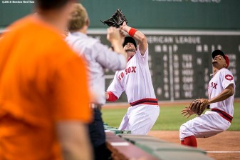 BOSTON, MA - JULY 20: Travis Shaw #47 of the Boston Red Sox leans over the stands to catch a foul ball during the fifth inning of a game against the San Francisco Giants on July 20, 2016 at Fenway Park in Boston, Massachusetts. (Photo by Billie Weiss/Boston Red Sox/Getty Images) *** Local Caption *** Travis Shaw