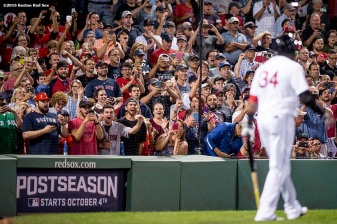 BOSTON, MA - SEPTEMBER 19: Fans cheer as David Ortiz #34 of the Boston Red Sox walks to the plate before a pinch hit at bat during the sixth inning of a game against the New York Yankees on September 18, 2016 at Fenway Park in Boston, Massachusetts. (Photo by Billie Weiss/Boston Red Sox/Getty Images) *** Local Caption *** David Ortiz