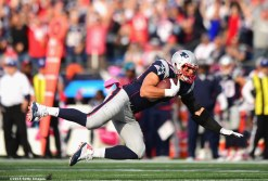 FOXBORO, MA - OCTOBER 16: Rob Gronkowski #87 of the New England Patriots catches a pass during the fourth quarter of a game against the Cincinnati Bengals at Gillette Stadium on October 16, 2016 in Foxboro, Massachusetts. (Photo by Billie Weiss/Getty Images) *** Local Caption *** Rob Gronkowski