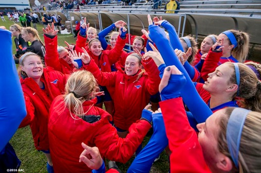 November 6, 2016, Storrs, CT: Members of Southern Methodist University huddle before the American Athletic Conference Championship game against University of Connecticut at Morrone Stadium in Storrs, Connecticut Sunday, November 6, 2016. (Photos by Billie Weiss/American Athletic Conference)