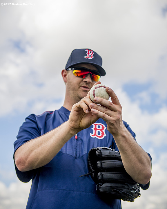 FT. MYERS, FL - FEBRUARY 25: Steven Wright #35 of the Boston Red Sox gives a pitching lesson as part of an auction prize before a game against the Minnesota Twins on February 25, 2017 at Fenway South in Fort Myers, Florida . (Photo by Billie Weiss/Boston Red Sox/Getty Images) *** Local Caption *** Steven Wright