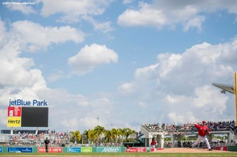FT. MYERS, FL - FEBRUARY 28: Kyle Kendrick #25 of the Boston Red Sox delivers during the first inning of a Spring Training game against the New York Yankees on February 28, 2017 at Fenway South in Fort Myers, Florida . (Photo by Billie Weiss/Boston Red Sox/Getty Images) *** Local Caption *** Kyle Kendrick