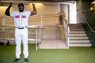 FT. MYERS, FL - MARCH 5: Jackie Bradley Jr. #19 of the Boston Red Sox warms up before a Spring Training game against the Atlanta Braves on March 5, 2017 at Fenway South in Fort Myers, Florida . (Photo by Billie Weiss/Boston Red Sox/Getty Images) *** Local Caption *** Jackie Bradley Jr.