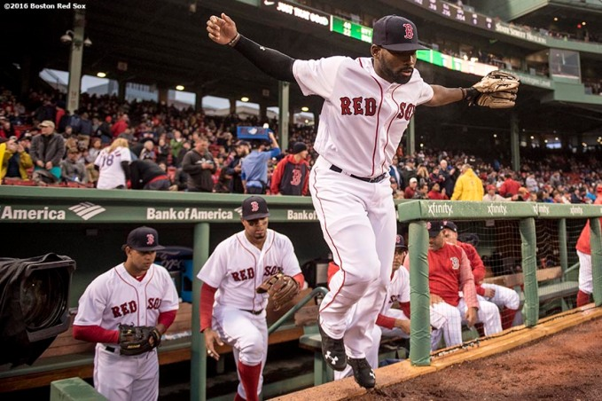 BOSTON, MA - APRIL 26: Jackie Bradley Jr. #19 of the Boston Red Sox runs onto the field before a game against the New York Yankees on April 26, 2017 at Fenway Park in Boston, Massachusetts. (Photo by Billie Weiss/Boston Red Sox/Getty Images) *** Local Caption *** Jackie Bradley Jr.