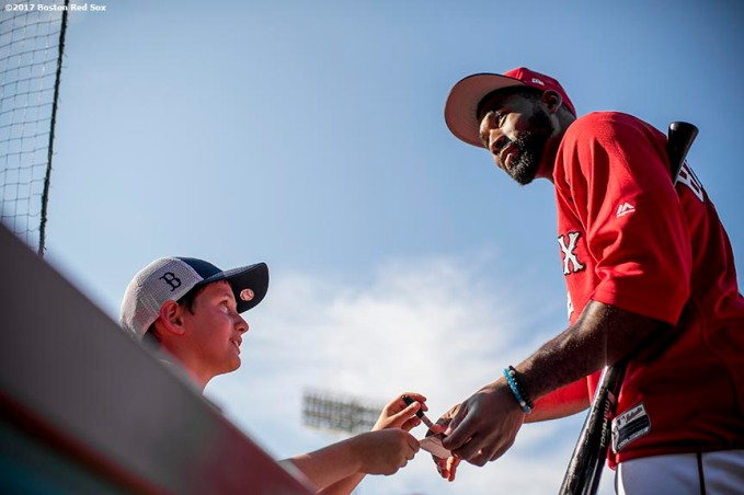 BOSTON, MA - JULY 31: Jackie Bradley Jr. #19 of the Boston Red Sox signs autographs before a game against the Cleveland Indians on July 31, 2017 at Fenway Park in Boston, Massachusetts. (Photo by Billie Weiss/Boston Red Sox/Getty Images) *** Local Caption *** Jackie Bradley Jr.