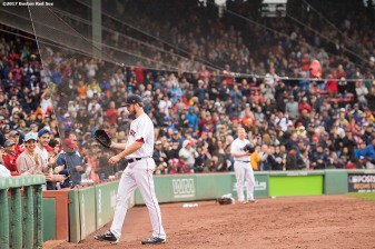 BOSTON, MA - SEPTEMBER 30: Drew Pomeranz #31 of the Boston Red Sox exits t he game during the seventh inning of a game against the Houston Astros on September 30, 2017 at Fenway Park in Boston, Massachusetts. (Photo by Billie Weiss/Boston Red Sox/Getty Images) *** Local Caption *** Drew Pomeranz