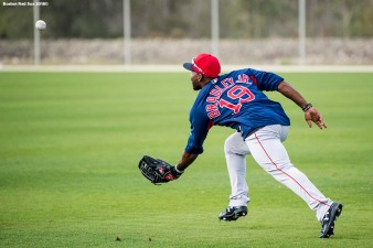 FT. MYERS, FL - FEBRUARY 21: Jackie Bradley Jr. #19 of the Boston Red Sox catches a fly ball during a team workout on February 21, 2018 at jetBlue Park at Fenway South in Fort Myers, Florida . (Photo by Billie Weiss/Boston Red Sox/Getty Images) *** Local Caption *** Jackie Bradley Jr.