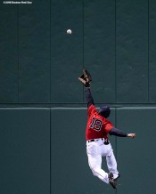 BOSTON, MA - APRIL 13: Jackie Bradley Jr. #19 of the Boston Red Sox leaps as he attempts to make a catch during the seventh inning of a game against the Baltimore Orioles on April 13, 2018 at Fenway Park in Boston, Massachusetts. (Photo by Billie Weiss/Boston Red Sox/Getty Images) *** Local Caption *** Jackie Bradley Jr.