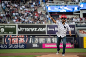 NEW YORK, NY - MAY 8: New York Knicks head coach David Fizdale throws out the ceremonial first pitch before a game between the Boston Red Sox and the New York Yankees on May 8, 2018 at Yankee Stadium in the Bronx borough of New York City. (Photo by Billie Weiss/Boston Red Sox/Getty Images) *** Local Caption *** David Fizdale