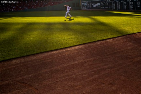 BOSTON, MA - MAY 29: Rick Porcello #22 of the Boston Red Sox warms up before a game against the Toronto Blue Jays on May 29, 2018 at Fenway Park in Boston, Massachusetts. (Photo by Billie Weiss/Boston Red Sox/Getty Images) *** Local Caption *** Rick Porcello