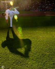 BOSTON, MA - JUNE 6: J.D. Martinez #28 of the Boston Red Sox warms up before a game against the Detroit Tigers on June 6, 2018 at Fenway Park in Boston, Massachusetts. (Photo by Billie Weiss/Boston Red Sox/Getty Images) *** Local Caption *** J.D. Martinez