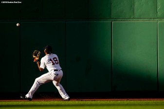 BOSTON, MA - AUGUST 4: Jackie Bradley Jr. #19 of the Boston Red Sox plays a ball off the wall during the ninth inning of a game against the New York Yankees on August 4, 2018 at Fenway Park in Boston, Massachusetts. (Photo by Billie Weiss/Boston Red Sox/Getty Images) *** Local Caption *** Jackie Bradley Jr.