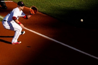 BOSTON, MA - SEPTEMBER 15: Steve Pearce #25 of the Boston Red Sox fields a ground ball during the second inning of a game against the New York Mets on September 15, 2018 at Fenway Park in Boston, Massachusetts. (Photo by Billie Weiss/Boston Red Sox/Getty Images) *** Local Caption *** Steve Pearce