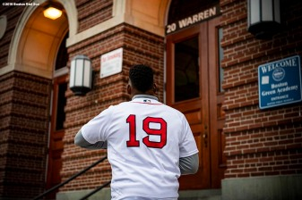 BRIGHTON, MA - SEPTEMBER 30: Jackie Bradley Jr. #19 of the Boston Red Sox enters the school during a visit to Boston Green Academy on October 1, 2018 in Brighton, Massachusetts. (Photo by Billie Weiss/Boston Red Sox/Getty Images) *** Local Caption *** Jackie Bradley Jr.