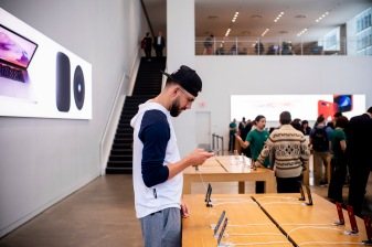 NEW YORK, NY - MAY 7: Matt Barnes #63 of the Boston Red Sox visits the Apple Store on a team off-day on May 7, 2018 in New York City, New York. (Photo by Billie Weiss/Boston Red Sox/Getty Images) *** Local Caption *** Matt Barnes