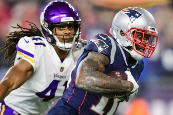 FOXBOROUGH, MA - DECEMBER 02: Josh Gordon #10 of the New England Patriots runs on his way to scoring a touchdown during the third quarter against the Minnesota Vikings at Gillette Stadium on December 2, 2018 in Foxborough, Massachusetts. (Photo by Billie Weiss/Getty Images) *** Local Caption *** Josh Gordon