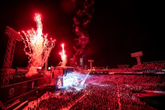 BOSTON, MA - JULY 6: Fireworks explode as singer Luke Bryan performs during a concert on July 6, 2018 at Fenway Park in Boston, Massachusetts. (Photo by Billie Weiss/Boston Red Sox/Getty Images) *** Local Caption *** Luke Bryan