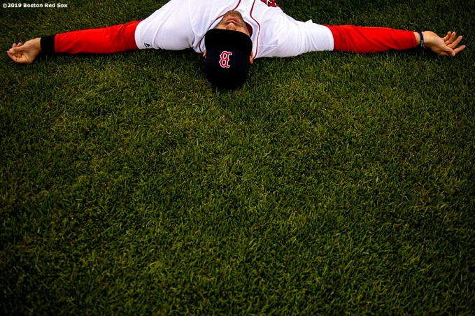 BOSTON, MA - APRIL 25: J.D. Martinez #28 of the Boston Red Sox stretches before a game against the Detroit Tigers on April 25, 2019 at Fenway Park in Boston, Massachusetts. (Photo by Billie Weiss/Boston Red Sox/Getty Images) *** Local Caption *** J.D. Martinez