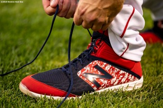 BOSTON, MA - APRIL 25: Mitch Moreland #18 of the Boston Red Sox ties his New Balance cleat before a game against the Detroit Tigers on April 25, 2019 at Fenway Park in Boston, Massachusetts. (Photo by Billie Weiss/Boston Red Sox/Getty Images) *** Local Caption *** Mitch Moreland