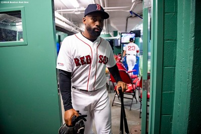 BOSTON, MA - APRIL 29: Jackie Bradley Jr. #19 of the Boston Red Sox exits the batting cage before a game against the Oakland Athletics on April 29, 2019 at Fenway Park in Boston, Massachusetts. (Photo by Billie Weiss/Boston Red Sox/Getty Images) *** Local Caption *** Jackie Bradley Jr.