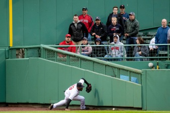 BOSTON, MA - MAY 29: Jackie Bradley Jr. #19 of the Boston Red Sox reaches for a ball hit off the wall during the first inning of a game against the Cleveland Indians on May 29, 2019 at Fenway Park in Boston, Massachusetts. (Photo by Billie Weiss/Boston Red Sox/Getty Images) *** Local Caption *** Jackie Bradley Jr.