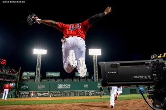 BOSTON, MA - SEPTEMBER 27: Jackie Bradley Jr. #19 of the Boston Red Sox jumps as he exits the stadium before a game against the Baltimore Orioles on September 27, 2019 at Fenway Park in Boston, Massachusetts. (Photo by Billie Weiss/Boston Red Sox/Getty Images) *** Local Caption *** Jackie Bradley Jr.