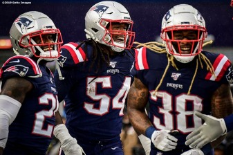 FOXBOROUGH, MASSACHUSETTS - OCTOBER 27: Outside linebacker Dont'a Hightower #54 of the New England Patriots celebrates his touchdown with teammates in the first quarter of the game against the Cleveland Browns at Gillette Stadium on October 27, 2019 in Foxborough, Massachusetts. (Photo by Billie Weiss/Getty Images)
