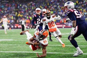 FOXBOROUGH, MASSACHUSETTS - OCTOBER 27: Tight end Demetrius Harris #88 of the Cleveland Browns scores a touchdown in the second quarter of the game against the New England Patriots at Gillette Stadium on October 27, 2019 in Foxborough, Massachusetts. (Photo by Billie Weiss/Getty Images)